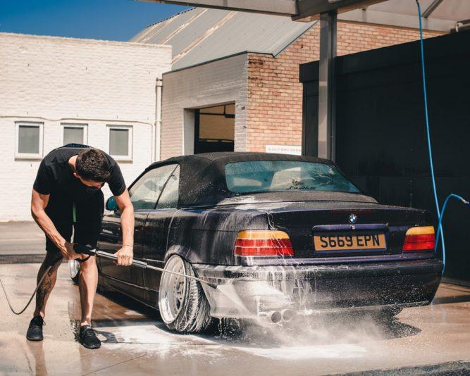 myjnia bezdotykowa auto