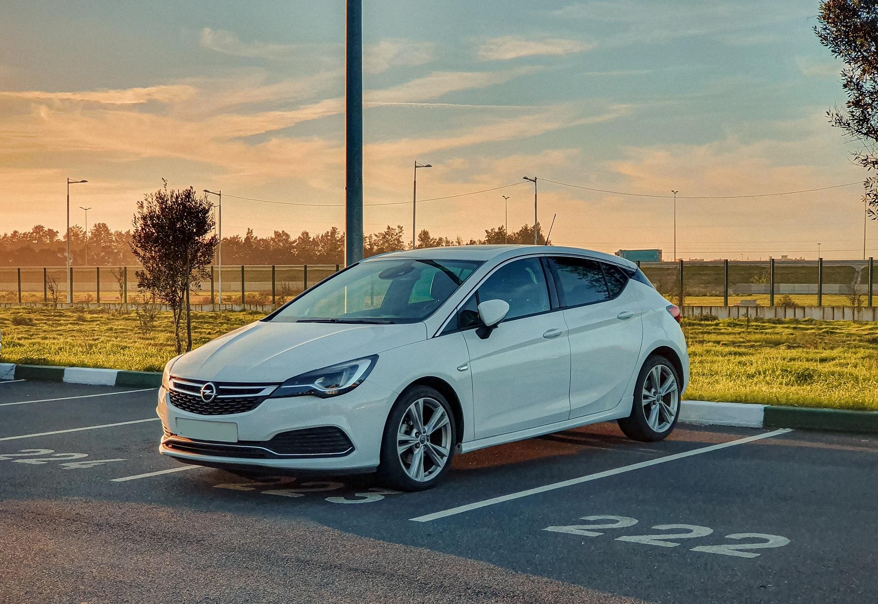 Opel Astra - samochód do 20 tys